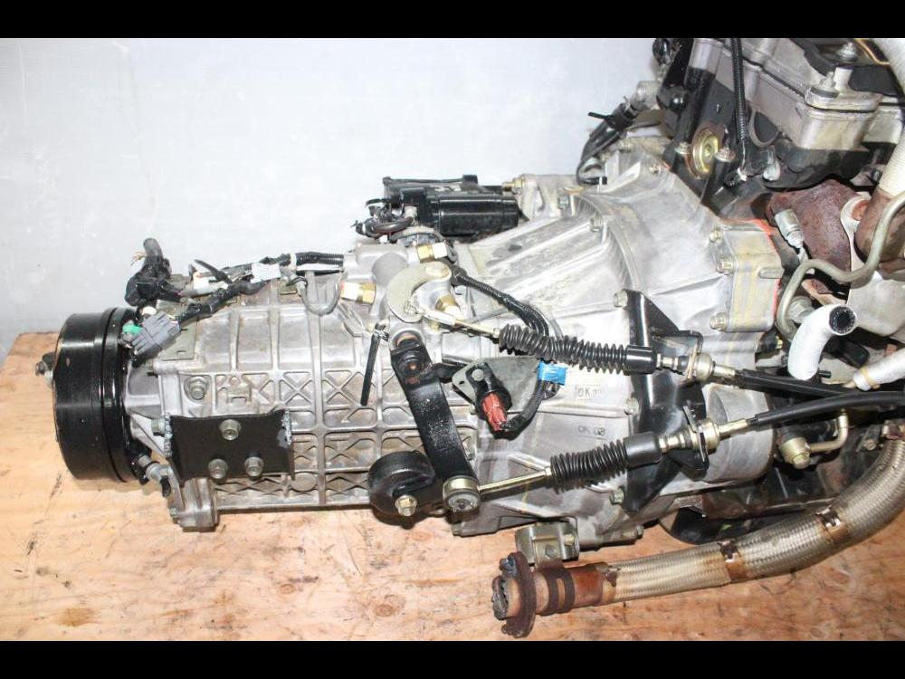 ENGINES #3741 - ISUZU NPR 4HL1 4 8L DIESEL ENGINE WITH MANUAL TRANSMISSION